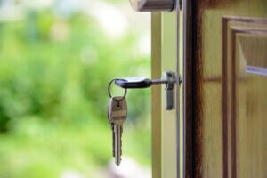 A Guide to How a Locksmith Can and Can't Assist You