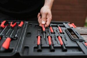 What Locksmith Tools Do I Need to Start My Career